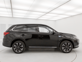 Vehicle details for 17 Mitsubishi Outlander